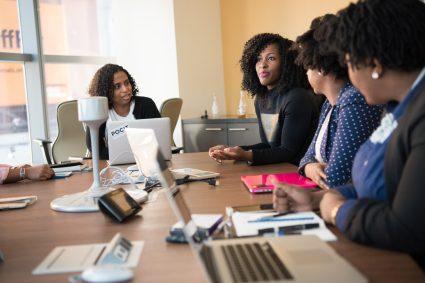 Les jeunes entrepreneurs dans les start-ups doivent respecter ces règles
