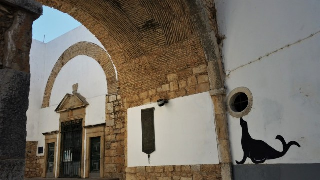 Faro old town arch