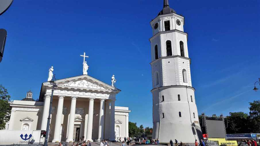 Vilnius Cathedral and the Bell Tower - trivo.ro