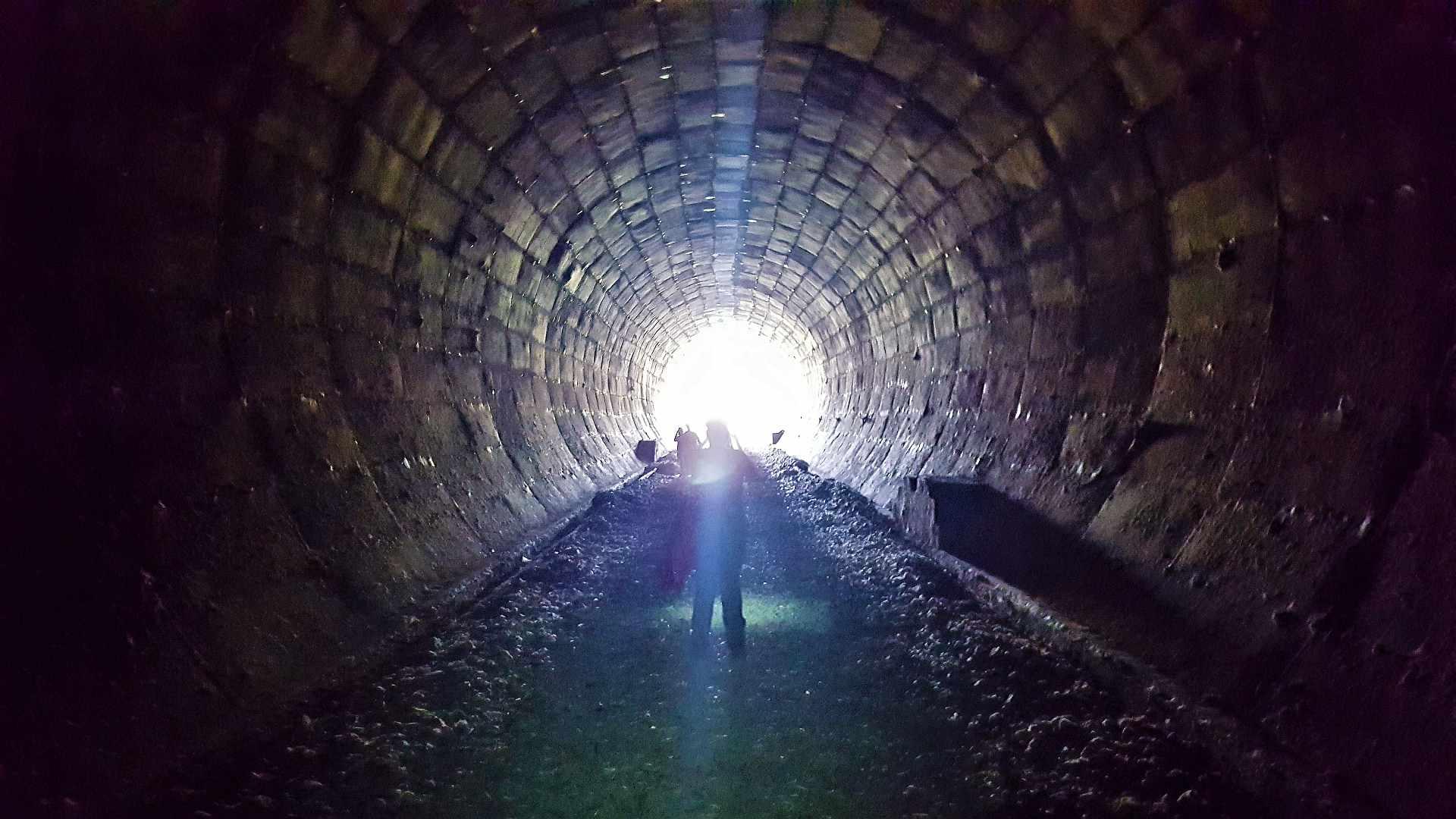 La captul celalalt al tunelului cand lumina de la capatul tunelului e ditamai soarele :-)