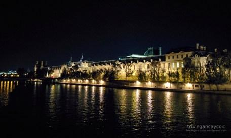 paris-louvre-seine