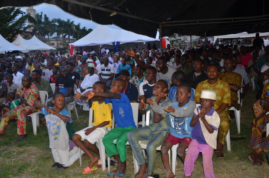 Thousands Of Football Lovers Storm Town Hall As Gov. Ambode Brings World Cup Viewing Center To Ikorodu Division