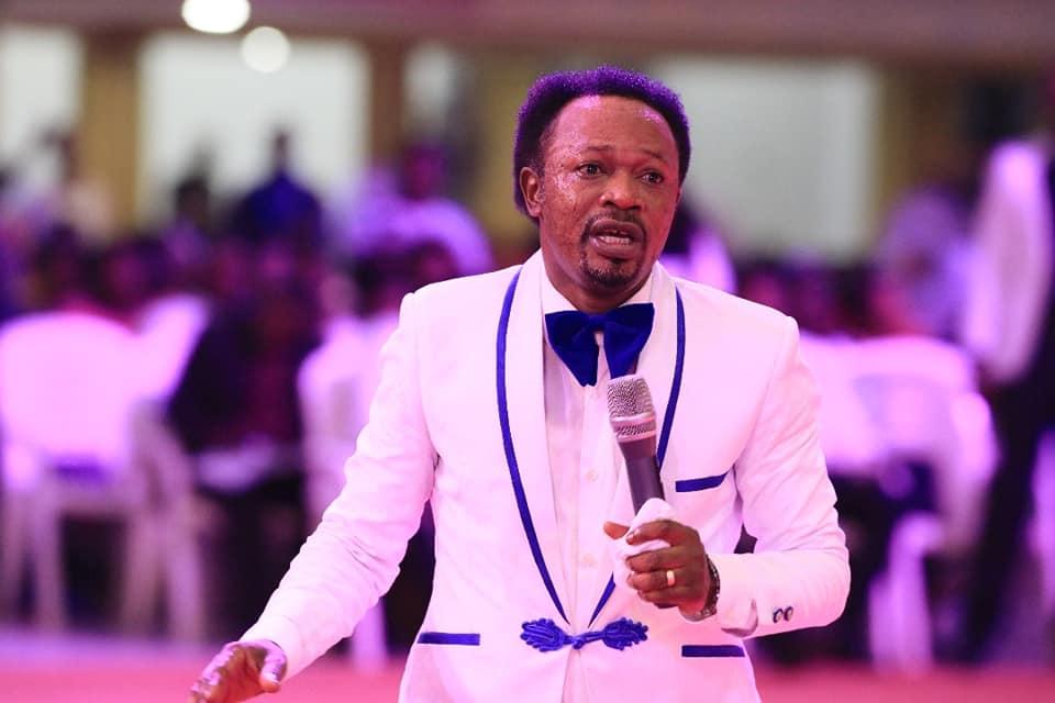 Prophecy confirmation! Watch What Prophet Joshua Iginla prophesied About Buhari, Defection Saga in 2017,2018