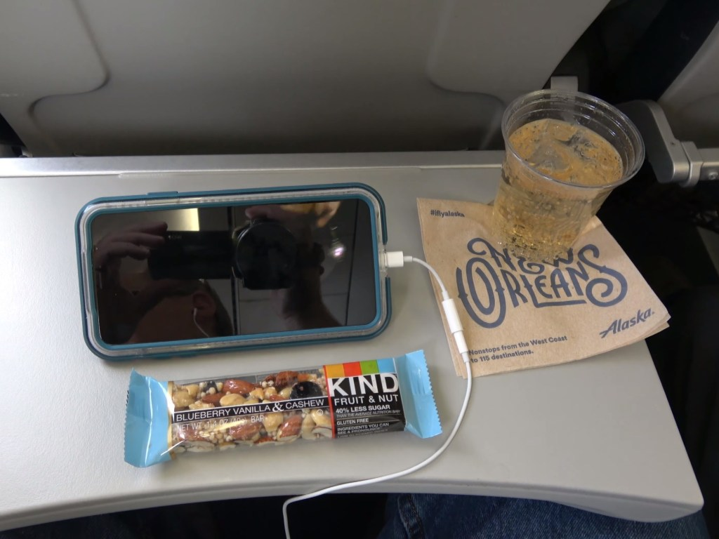 Alaska Airlines (Skywest) onboard snack