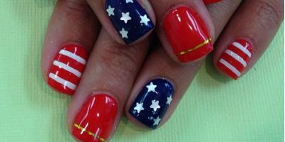 Lt Nails Celebrates 4th Of July With Patriotic Manicures Sycamore