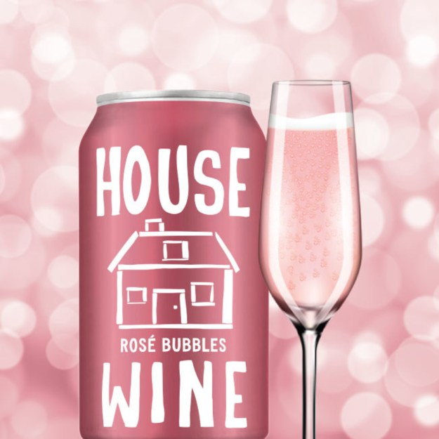 Pop, sparkle, sip! House Wine Rosé Bubbles launch just in time for Holiday cheer! The 375 mL cans are the latest in the House Wine line-up and are available nationwide now. (PRNewsfoto/House Wine)