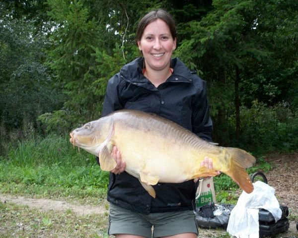 Jo with her best carp from Trois Fontaine