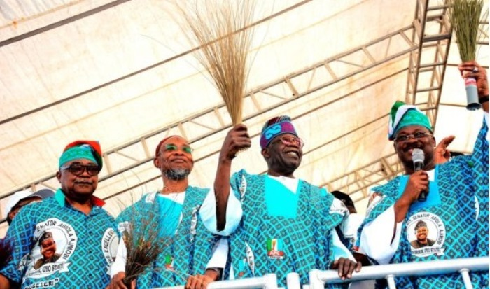 Tinubu Kickstarts 2023 Presidential Campaign By Enticing Borno Muslims With Rice, 10,000 Bags Shared For Ramadan