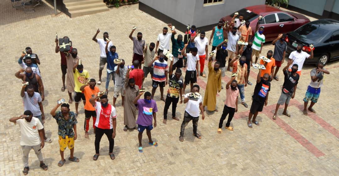 EFCC Arrests 33 Yahoo Boys in Abeokuta