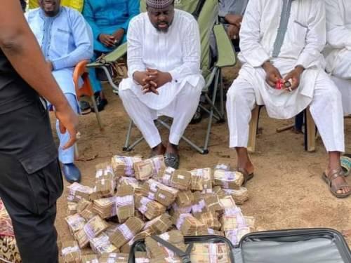 Nigerian Lawmaker Shares N50million Cash To Political Associates As Ramadan Gifts