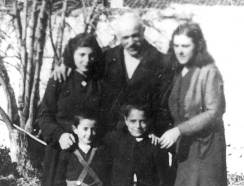 Berat, Albania, The Frasheri family who saved Jews from Yugoslavia