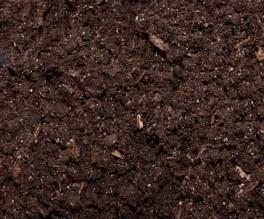 Komposterde von Trommelkomposter