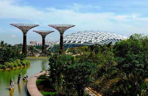 Toàn cảnh khu sinh thái đã hoàn thành của Gardens by the Bay. Ảnh: Theage
