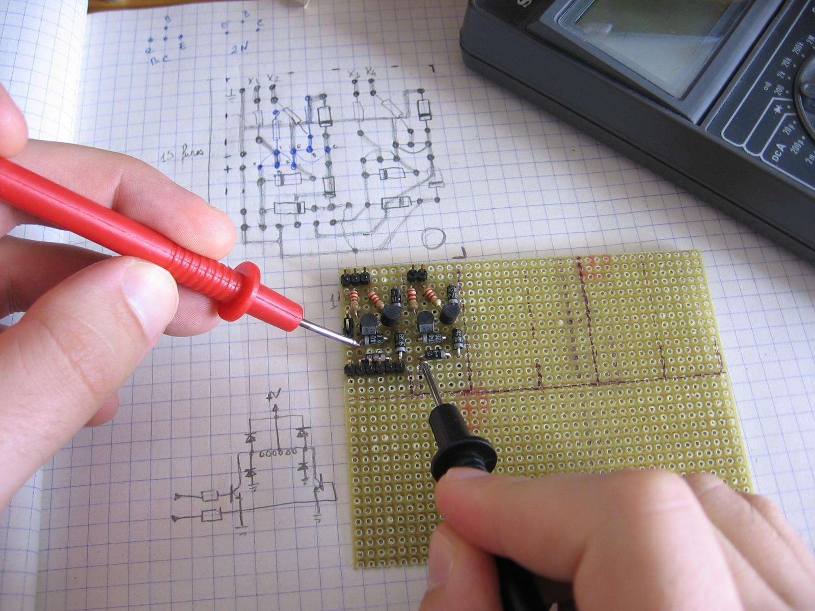 Testendo um circuito com o mult�metro
