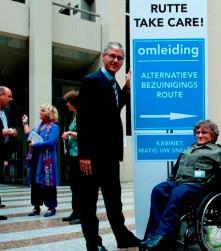 Arie Slob, Voorzitter CU, en Jan Troost vóór campagebord