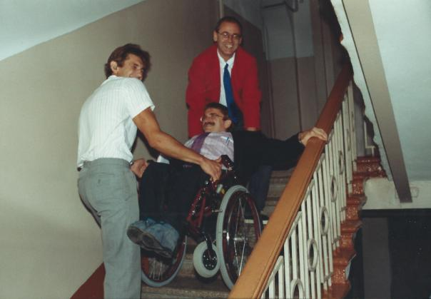 foto trap op met de  rolstoel