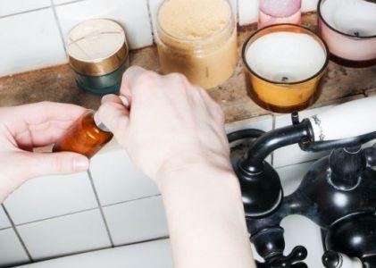 Skincare yang Tidak Mengandung Alkohol yang Aman dan Alami