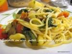 Spaghetti con verze,patate,pomodorini e funghi.JPG