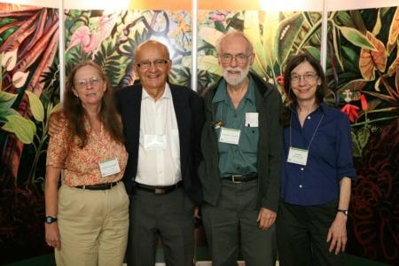 Deborah A. Clark, Rodrigo Gámez Lobo, Daniel H. Janzen and Winnie Hallwachs. (© Tropicalbio.org)