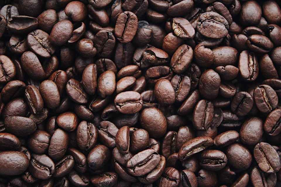 CLOSE UP FOR COFFEE BEANS