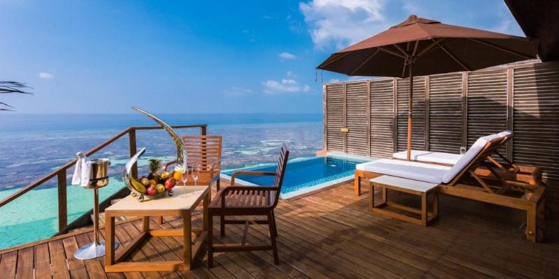 deluxe-water-villa-2-1030x579lily beach