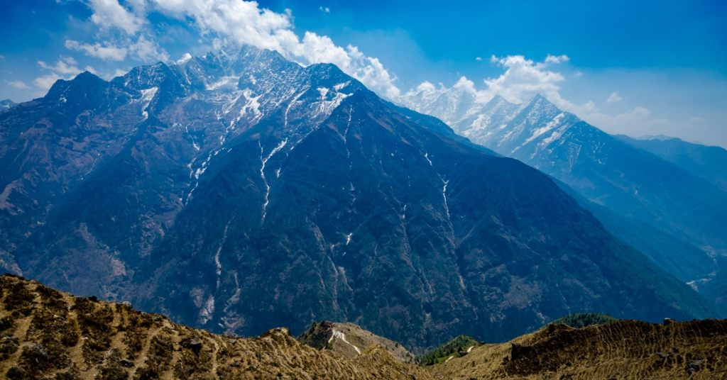 Photo of the Himalayan mountains in Nepal
