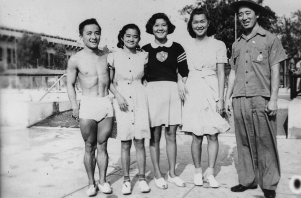 Sammy Lee with Korean Olympic athletes, 1937 | Shades of L.A. Collection courtesy of the Los Angeles Public Library