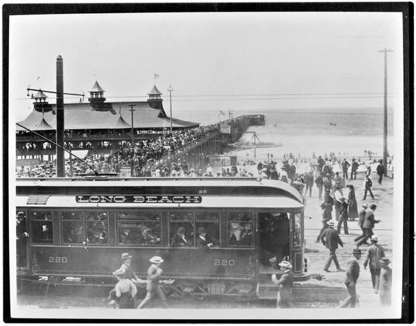 Pacific Electric No. 220 in Long Beach | Photo: Metro Library and Archive/Creative Commons