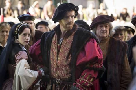 Anne-Boleyn-Claire-Foy-and-Henry-VIII-Damian-Lewis-wolf-hall-mini-series-2015-37962302-960-640