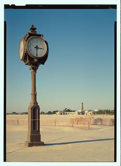 """Jack E. Boucher, """"View of the Riis clock (duplicate of HABS No. NY-6374-7) - Jacob Riis Park, Rockaway Point, Queens County, NY"""", 1990, Historic American Buildings Survey Collection, Prints and Photographs Division, Library of Congress"""