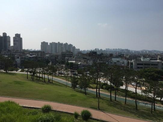 Walking the main fortress wall in Suwon