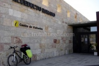 CENTRO DE RECEPCIÓN DE VISITANTES EN GEA DE ALBARRACÍN