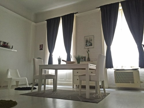 airbnb budapest dining room