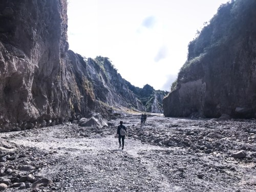 trekking mount day pinatubo luzon philippines day tour