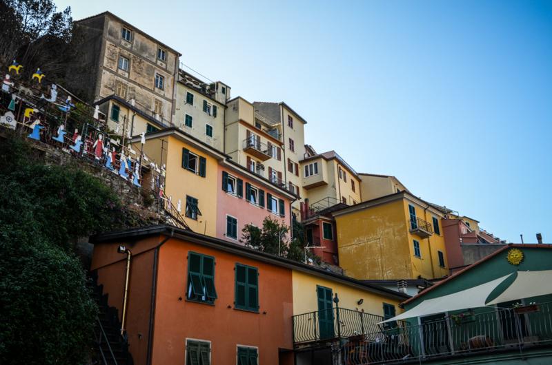 façades manarola cinque terre italie