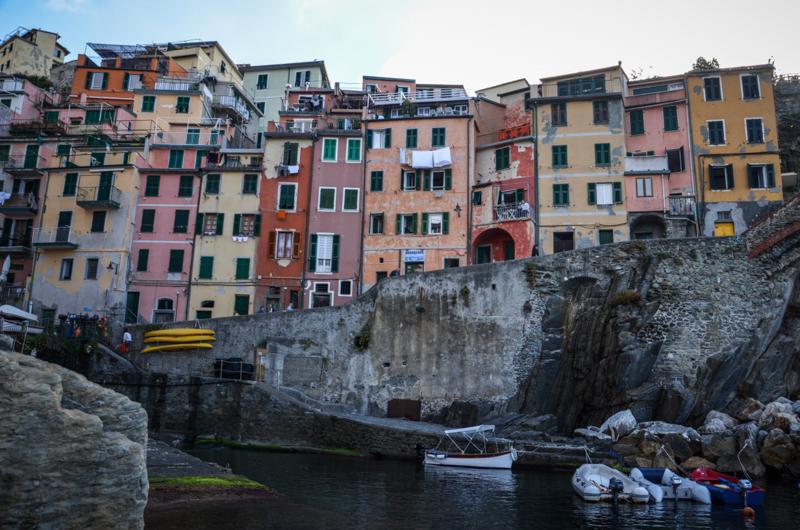 riomaggiore Cinque Terre Italie façades port
