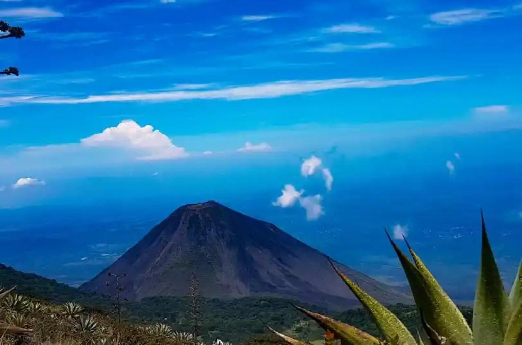 travel to el salvador santa ana volcano