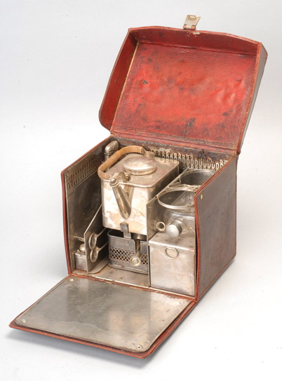 Hogspear antique picnic tea set