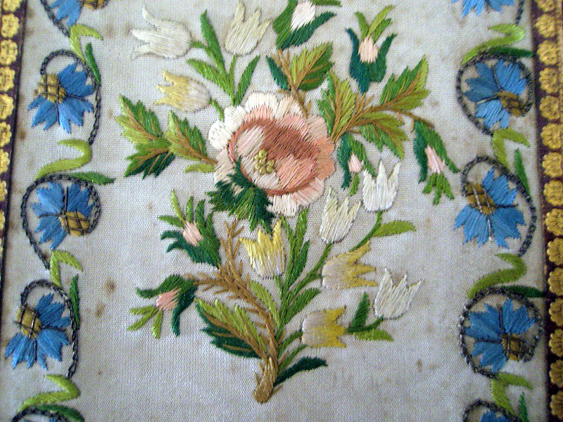 embroidered notebook c 1750 antique-textiles.net