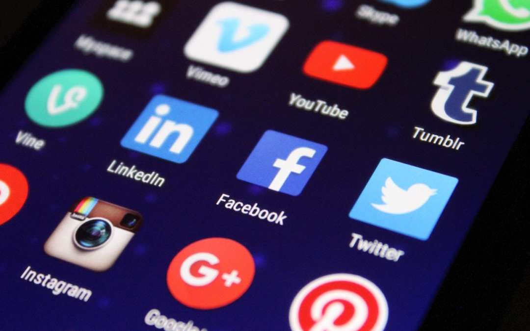 How to Appear more Professional when Using Social Media