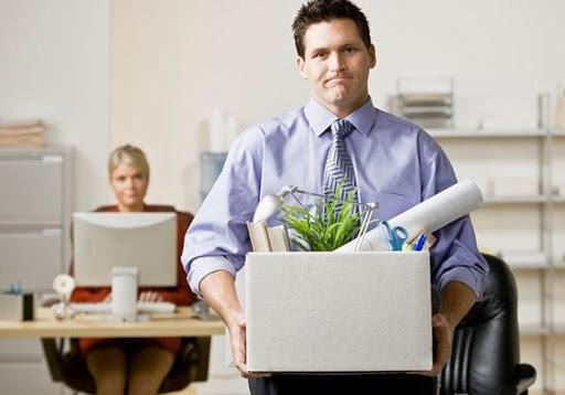 Что делать, если тебя уволили с работы?