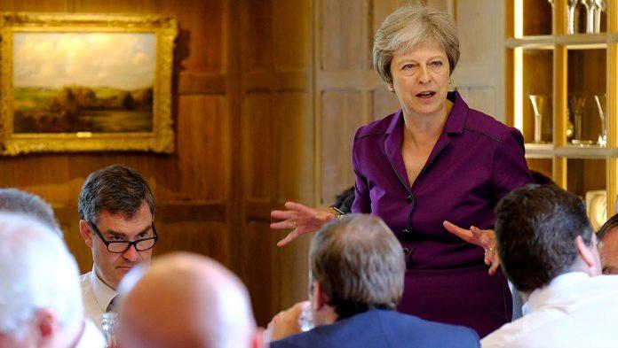 Τη δημιουργία μιας «ζώνης ελευθέρου εμπορίου» με την ΕΕ προτείνει η Βρετανία