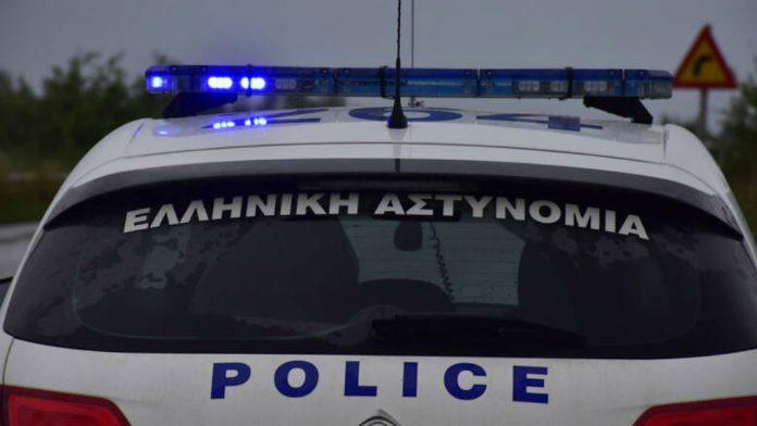Βρέφος εγκαταλελειμμένο σε είσοδο πολυκατοικίας στη Θεσσαλονίκη (video)