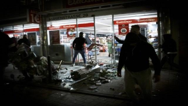 Γερμανία: Στο κόκκινο ο δείκτης αναπαραγωγής του κορονοϊού-Σκηνές βίας σε δύο πόλεις