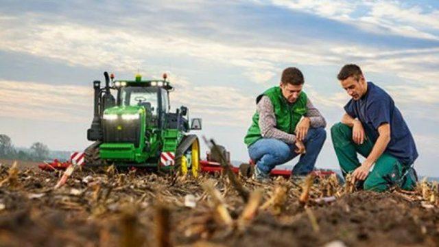 Πληρωμές που αγγίζουν το 1,2 δισ. ευρώ ξεκινά από σήμερα το υπουργείο Αγροτικής Ανάπτυξης