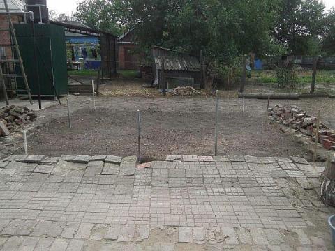 Фото: строим каркас будущего сарая
