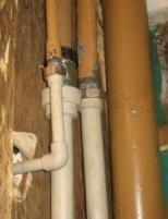 фото: Соединение металлической трубы с полипропиленовой
