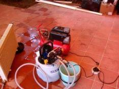 Фото: опрессовка систем отопления - труб и радиаторов