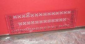 Фото 3. Задекорированная фальш стеной отопительная магистраль в квартире