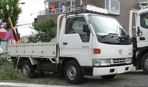 平ボディトラック